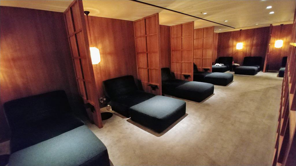 Cathay Pacific The Pier Business Class Lounge Relaxation Room