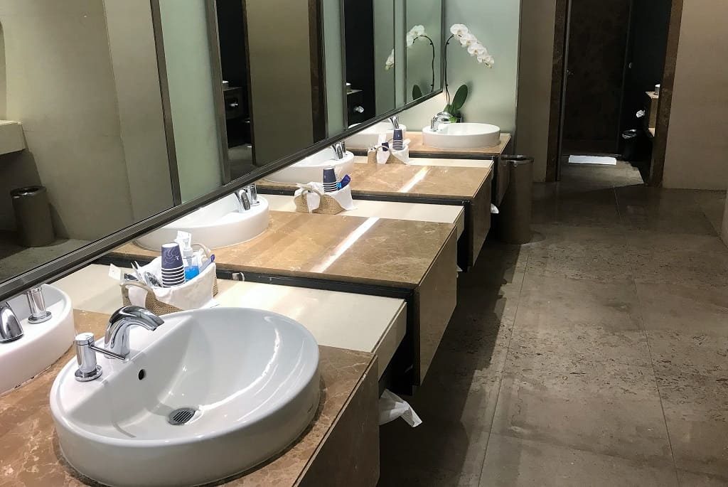 Singapore Airlines SilverKris Lounge Restrooms