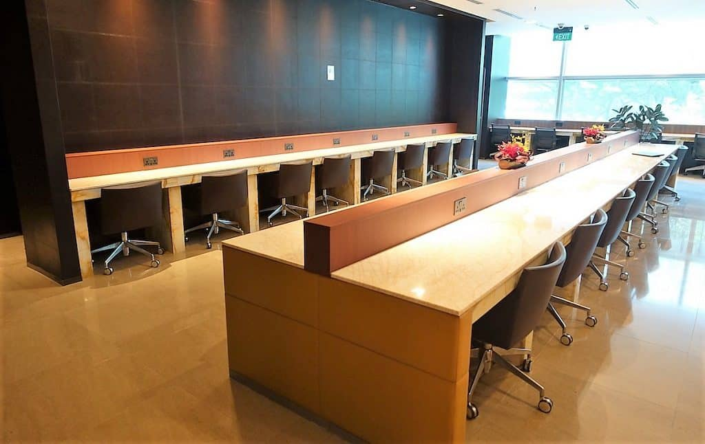 Singapore Airlines SilverKris Lounge Business Center