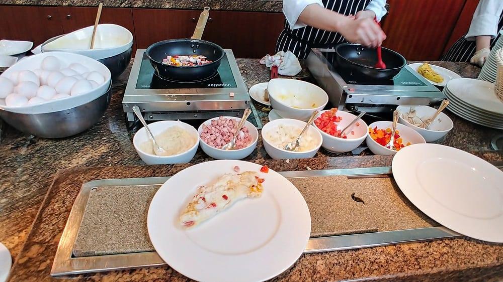 Conrad Hong Kong Garden Cafe Omelette Station