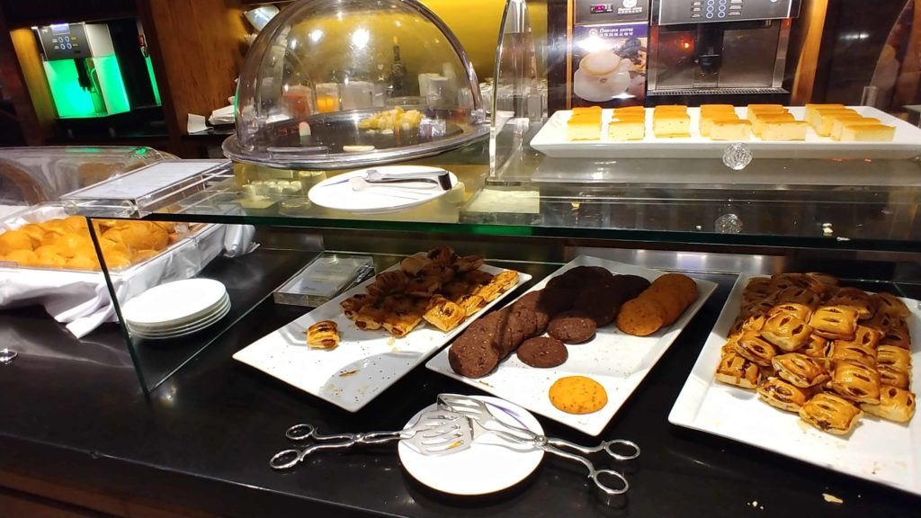 China Airlines Lounge Taipei Desserts