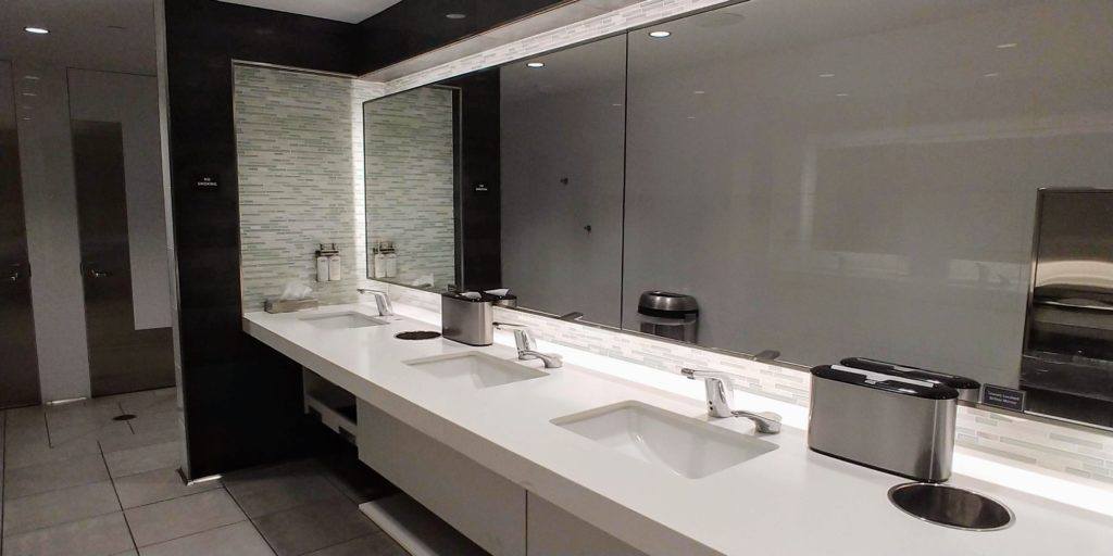 American's Flagship Lounge Restrooms