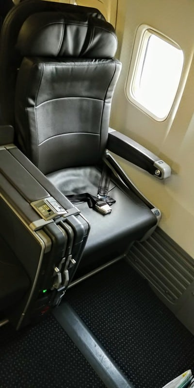 American 737 business class seat CUR MIA