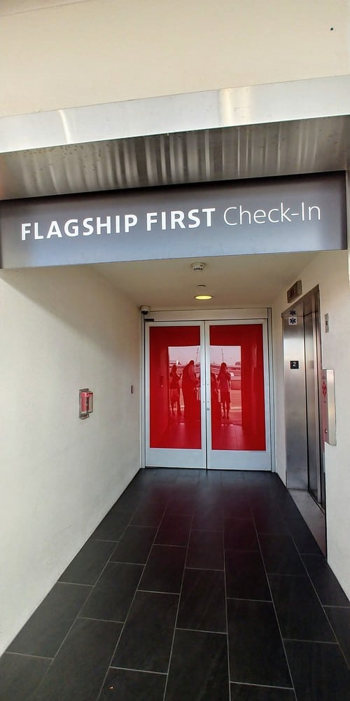 AA Flagship First Check-In Entrance