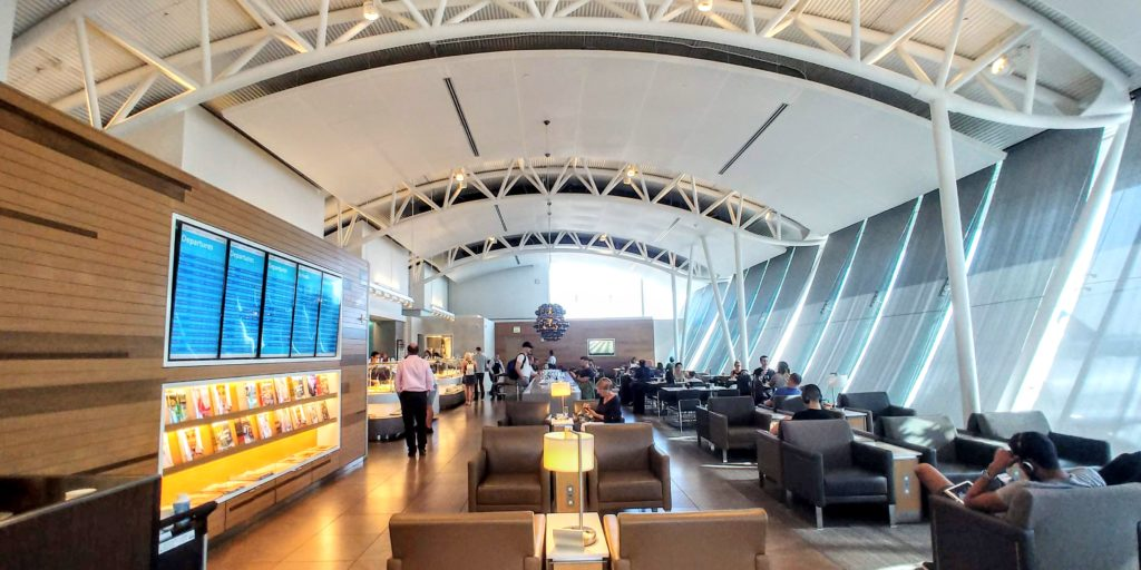 American's Main Flagship Lounge Area LAX