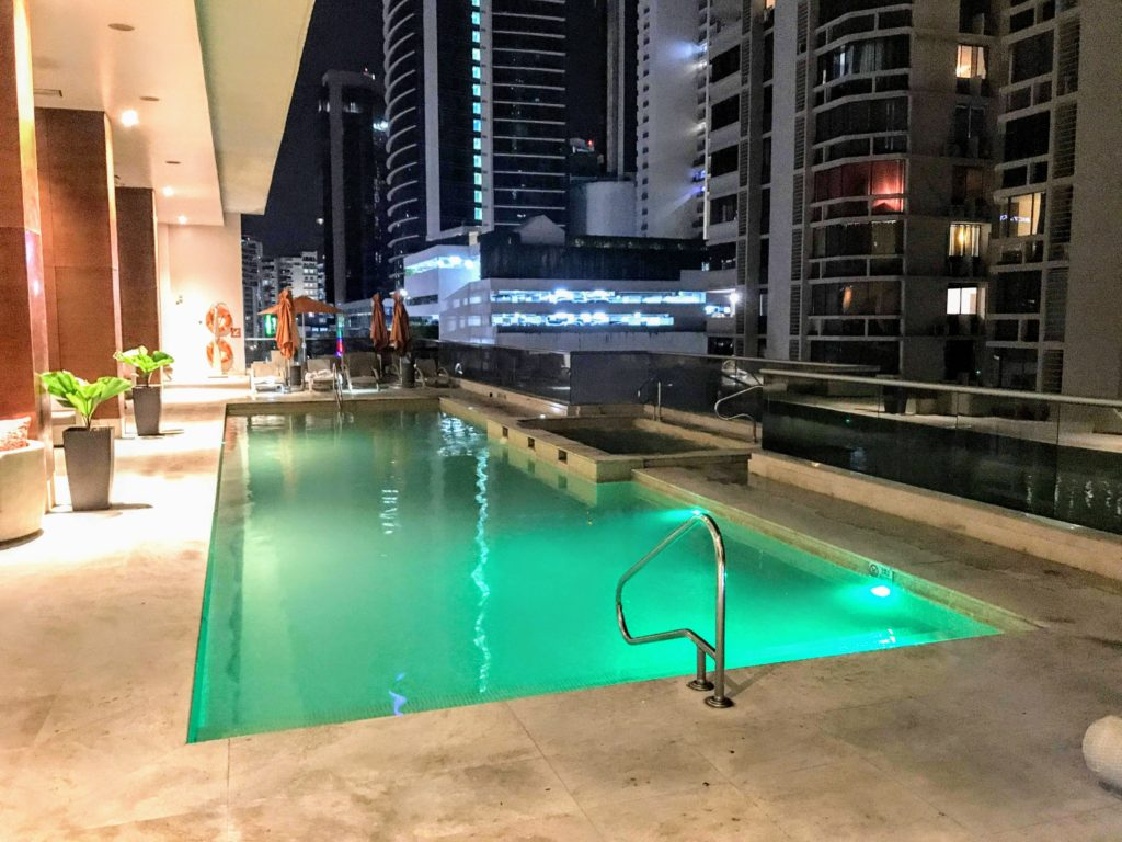 Pool-Waldorf-Astoria-Panama