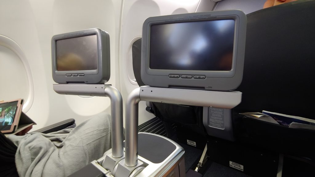 IFE Screens Copa Airlines Business Class 738