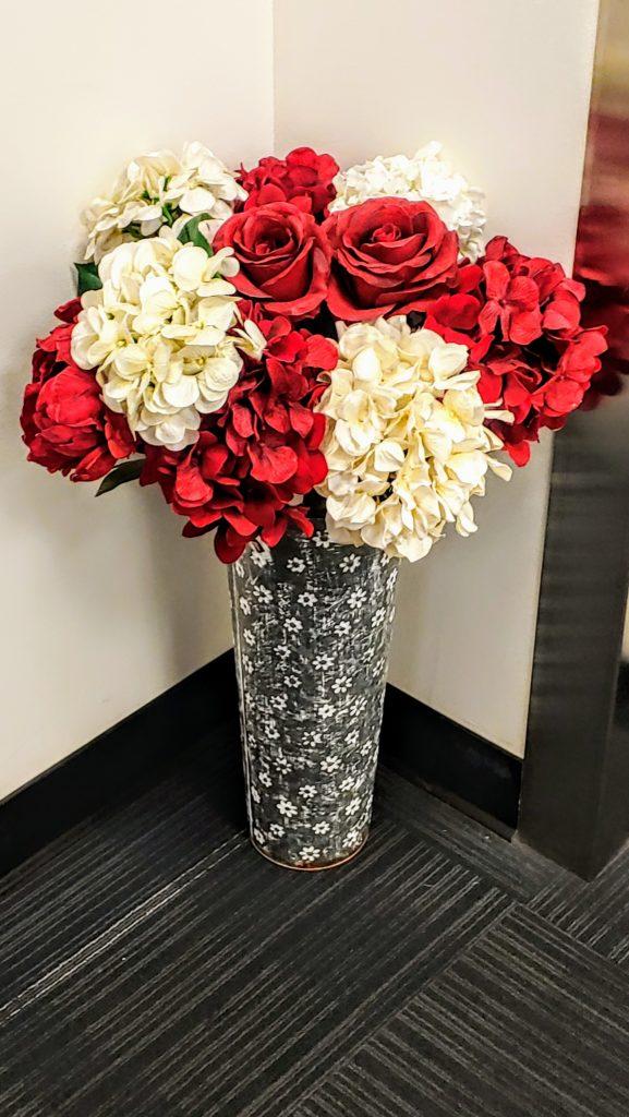 Flowers AC Lounge LAX