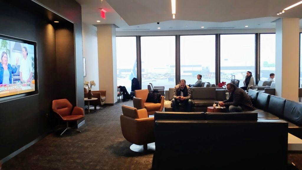 Main Area Air Canada Maple Leaf Lounge LAX